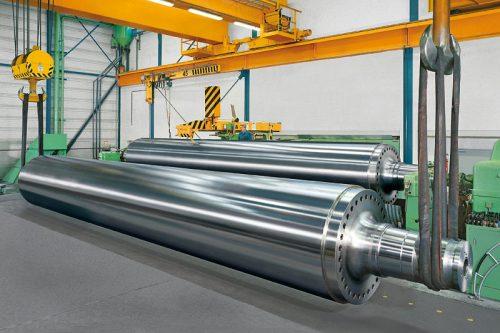 Fertig bearbeitete Kalanderwalze | Gewicht: 90 to | Durchmesser: 1.650 mm | Ballenlänge: 10.770 mm